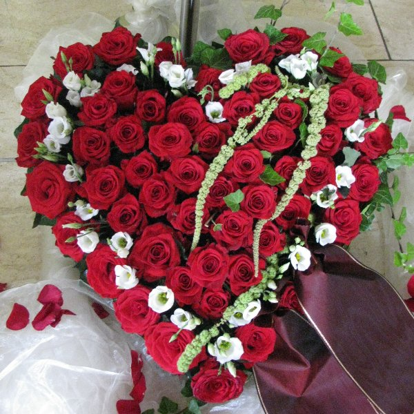 Blütenherz, rot Rosen Bild 1
