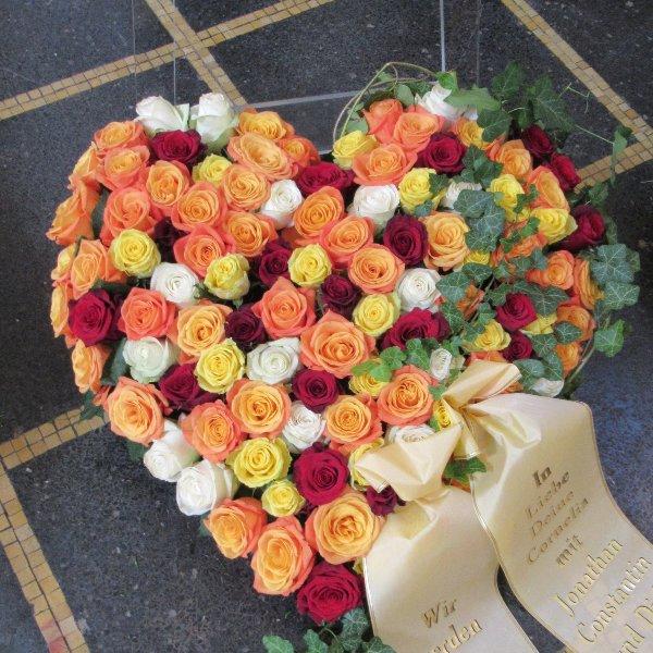Blütenherz, bunte Rosen Bild 1