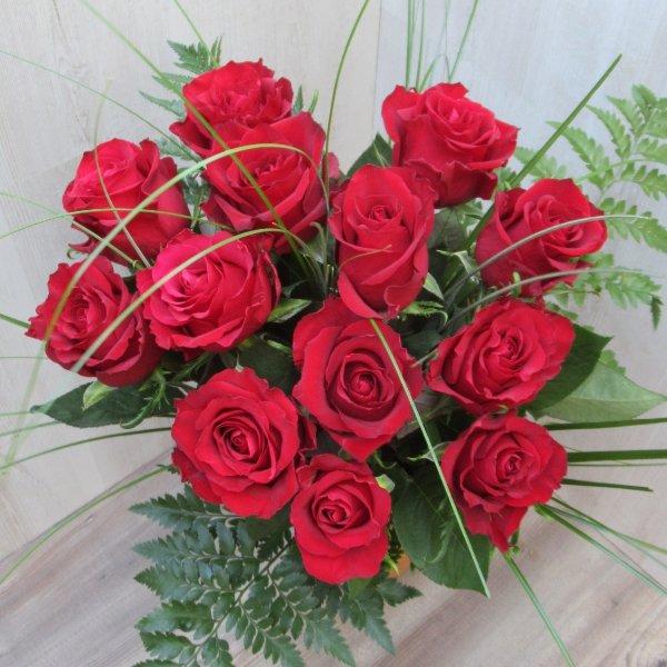 Rote Rosenstrauß Bild 2