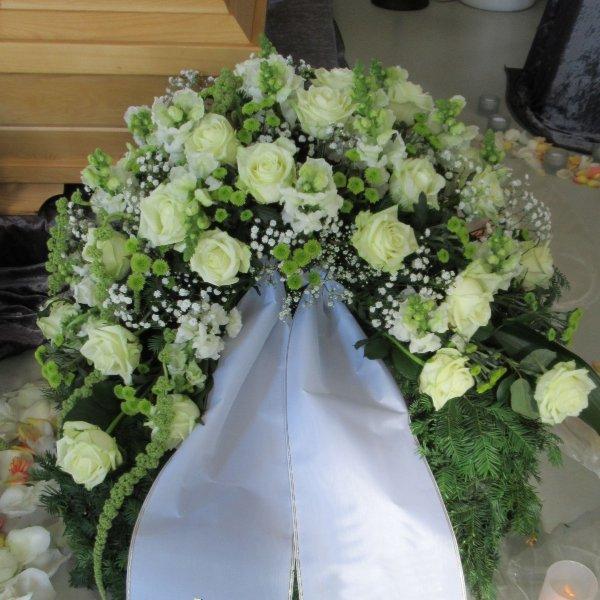 Trauerkranz weiß/grün Bild 1