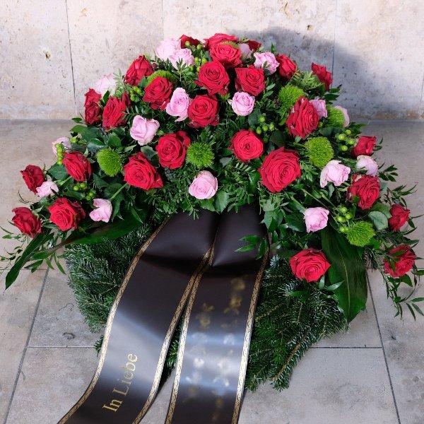 Trauerkranz mit Rosen Bild 1
