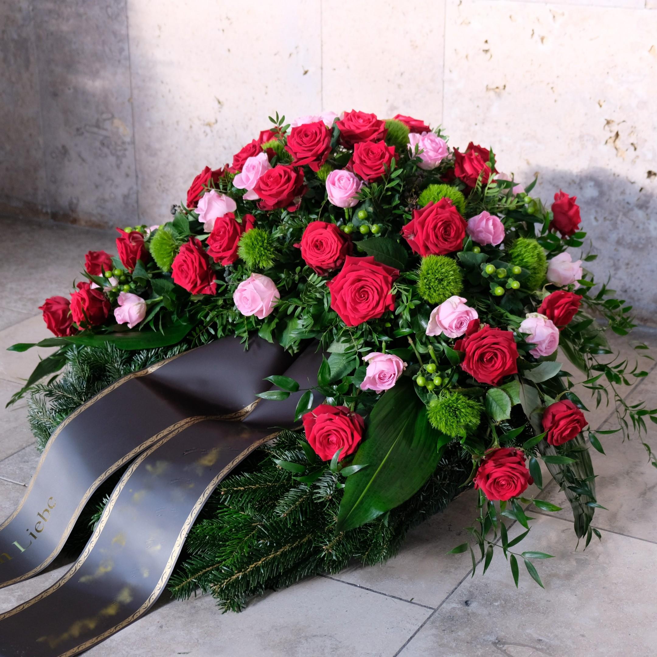 Trauerkranz mit Rosen Bild 2