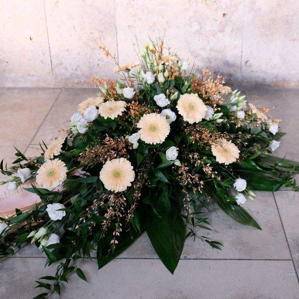 Blumenbukett in creme Bild 1