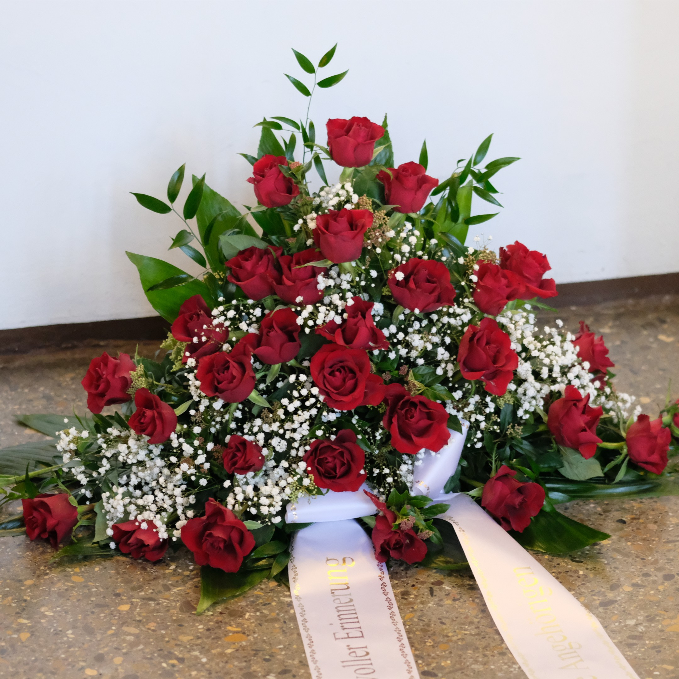 Blumenbukett in rot Bild 1