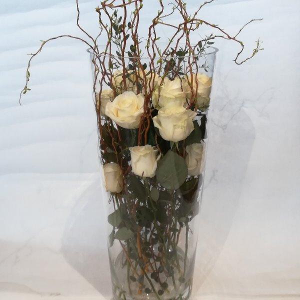 STR 22  weiße Rosen in Glasvase Bild 2