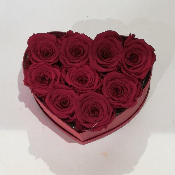 H 3     Herzbox aus roten gefriergetrockneten Rosen, ca. 9 Stück Bild 2