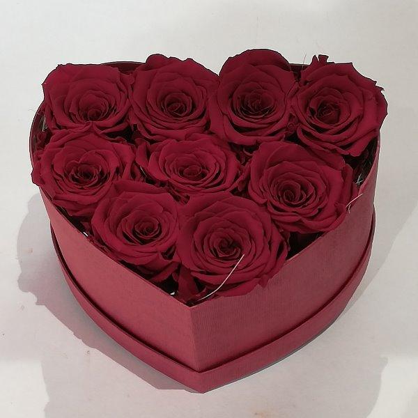 H 3     Herzbox aus roten gefriergetrockneten Rosen, ca. 9 Stück Bild 1