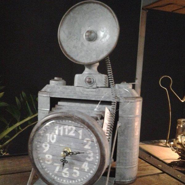 Tischuhr Fotoapparat Bild 1