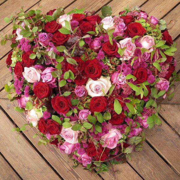 Trauerherz in pink/ rosa/ rot mit Rosen Bild 1