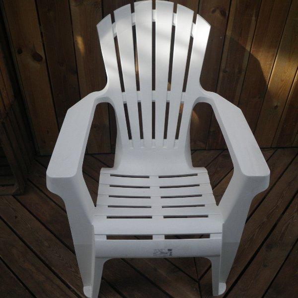 Relaxstuhl aus Kunststoff Bild 3