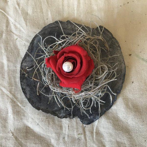 Stabilisierte Rose auf Muschel Bild 1
