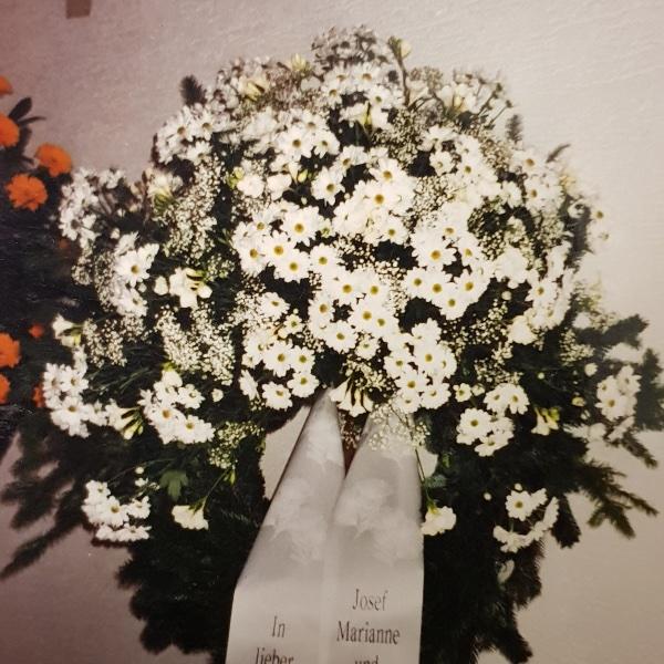 Trauerkranz Chrysantheme in Farben Bild 1