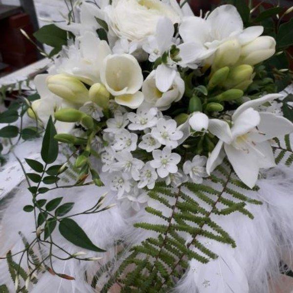 Brautstrauß Federleicht Bild 1