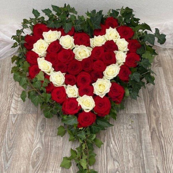 Gesteck Herz rot/weiß Bild 1