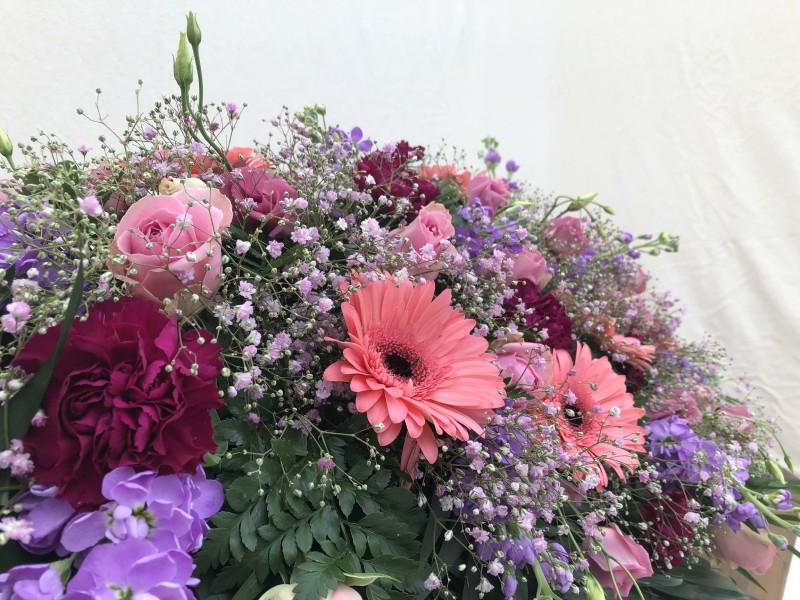 Sargschmuck rosa, pink, hellblau Bild 2