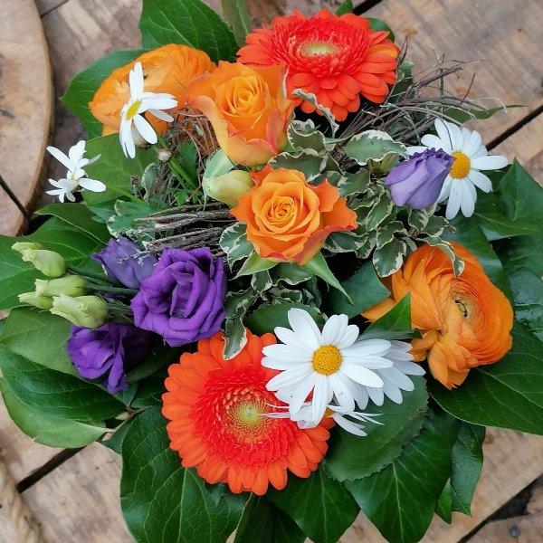 "kompakter Blumenstrauß ""Vitalität"" Bild 1"