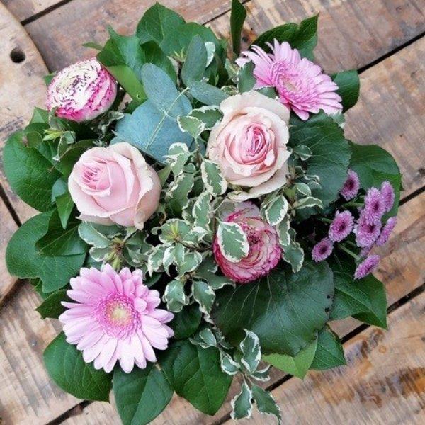 "kompakter Blumenstrauß ""Originalität"" Bild 1"