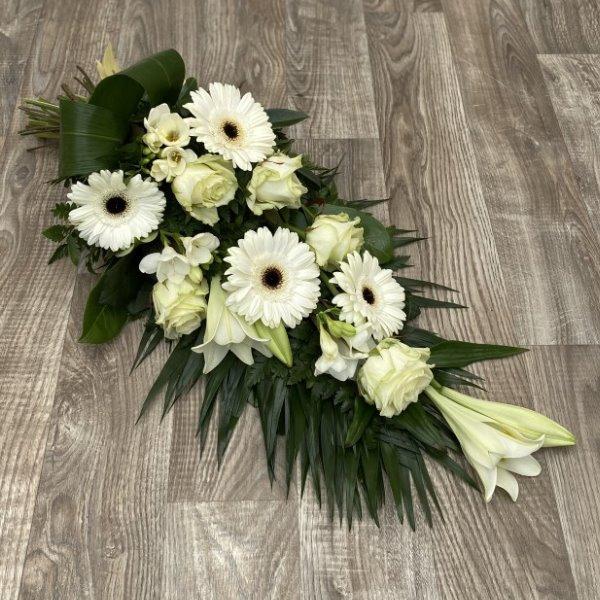 Trauerstrauß mit Lilien Bild 1