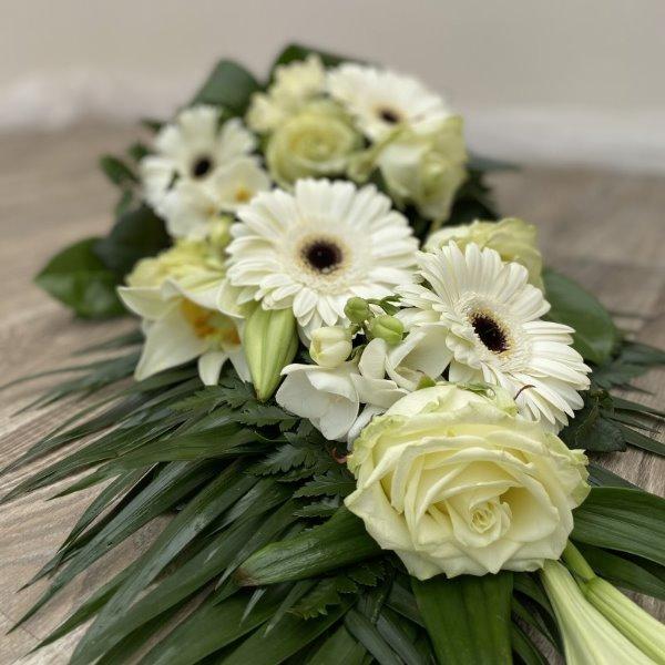 Trauerstrauß mit Lilien Bild 3