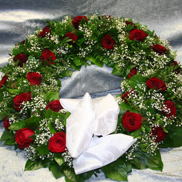 Trauerkranz  rundgesteckt liegend Bild 1
