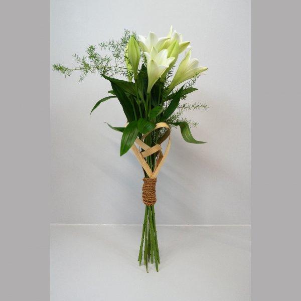 Kondolenzstrauß mit Lilien Bild 1