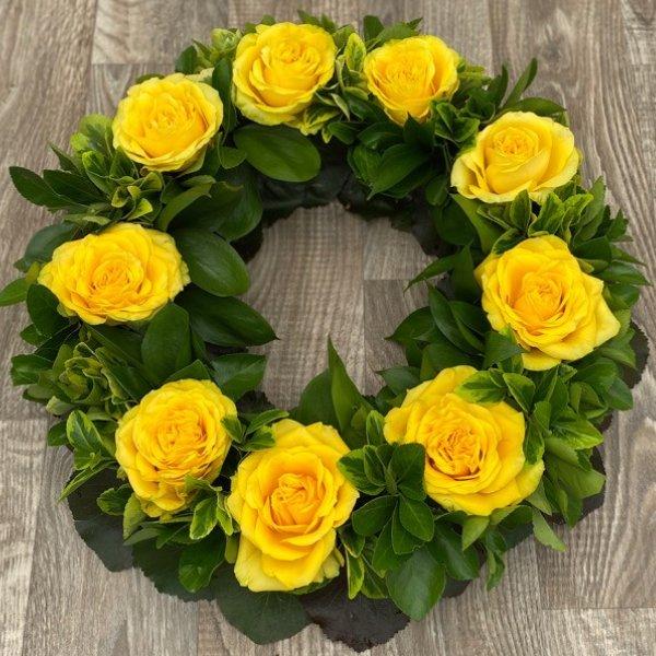Urnenkranz gelbe Rosen Bild 1