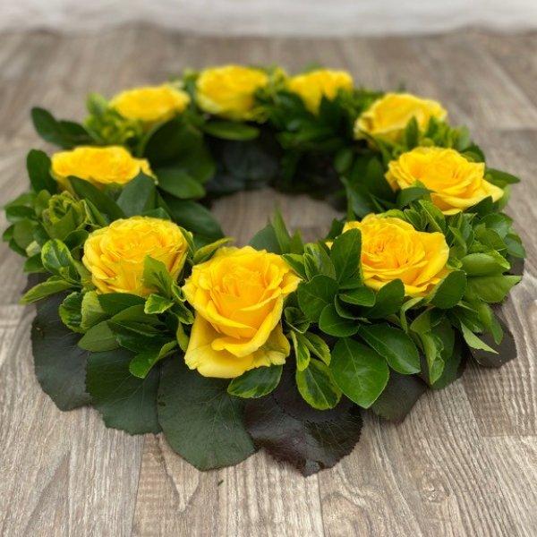 Urnenkranz gelbe Rosen Bild 2