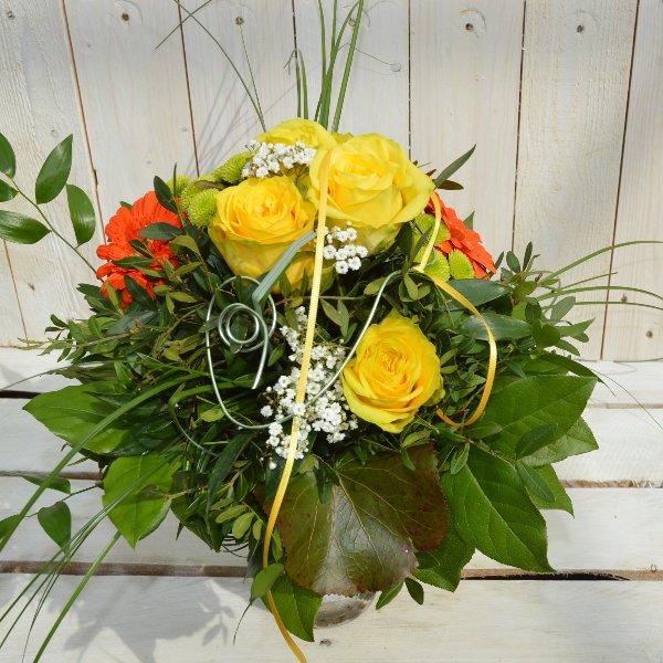 Strauß rund gelb-orange Bild 1
