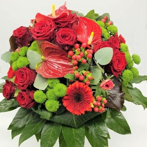 Strauß mit roten Rosen Bild 1