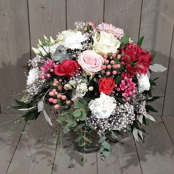"""Blumenstrauß """"Liebe Grüße"""" Bild 1"""