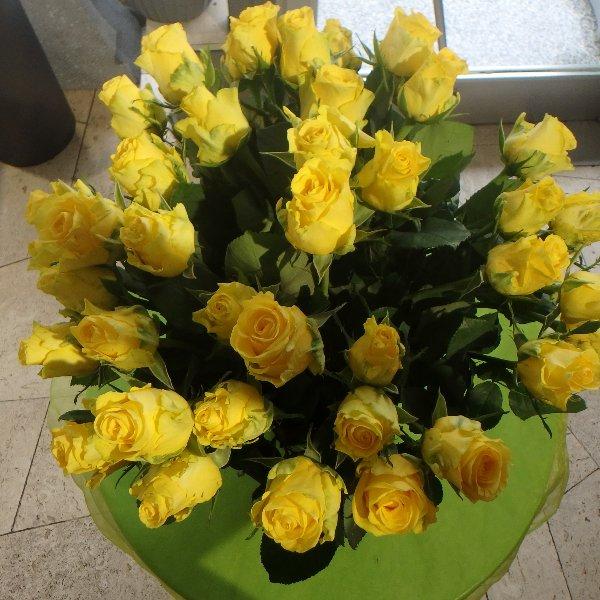 Rosenstrauss Gelb Bild 1