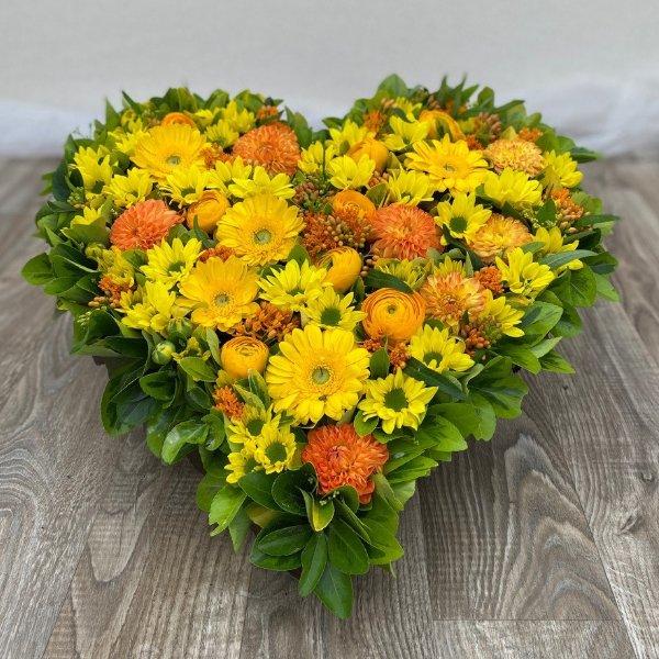 Gesteck- Herz- gelb/orange Bild 3