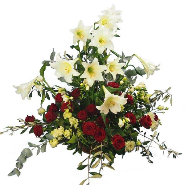 Trauergesteck mit weißen Lilien und roten Rosen Bild 1