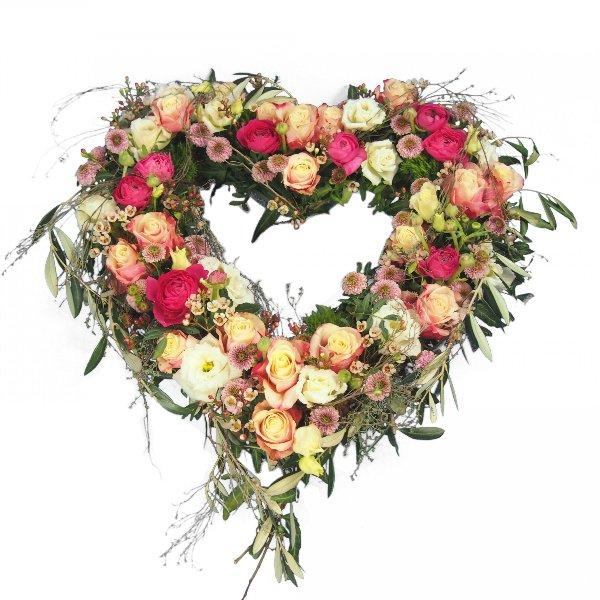 Herzform mit Blumen offen, in creme-rosafarbener Blumenkombination Bild 1