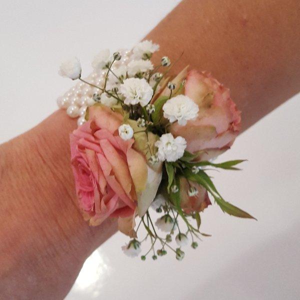 Blumenarmband rosa Bild 1