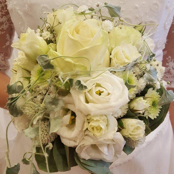 Brautstrauß elegant Bild 3