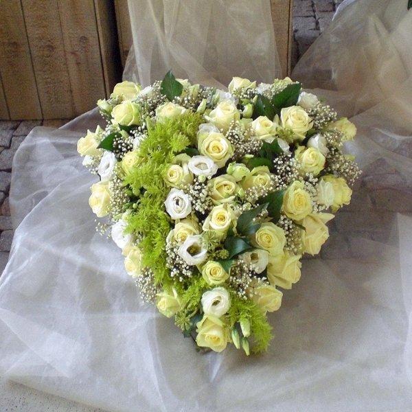 Trauerherz weiße Rosen, Eustomen Bild 1