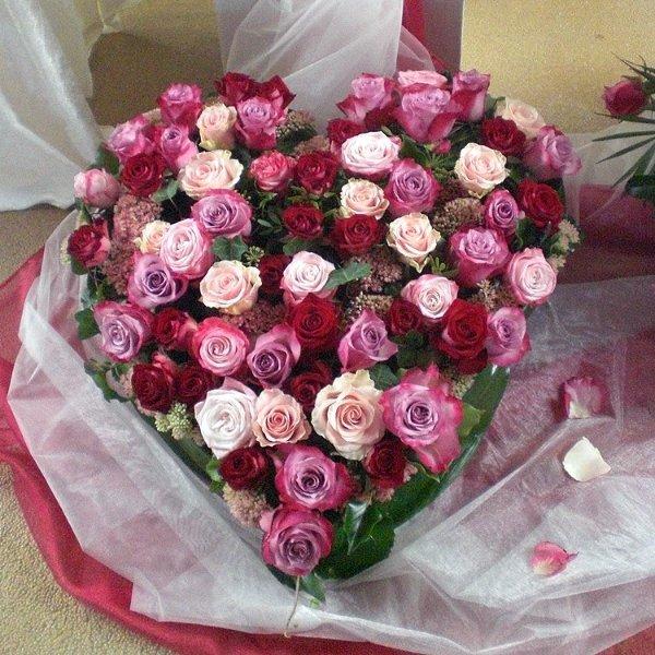 Trauerherz  Rosen in verschiedenen rosa Tönen Bild 1