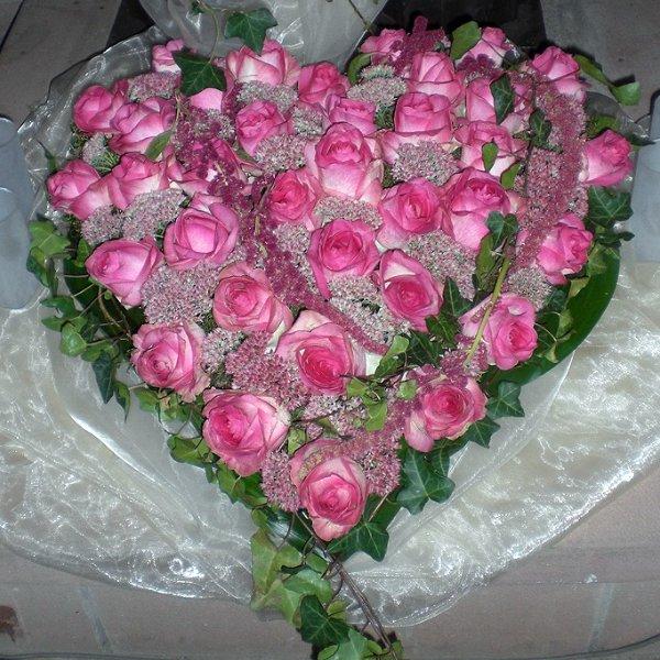 Trauerherz rosa Rosen Bild 1