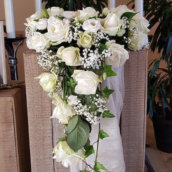Urnenschmuck weiße Rosen Bild 1