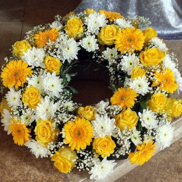 Trauerkranz gelb-weiß Bild 1
