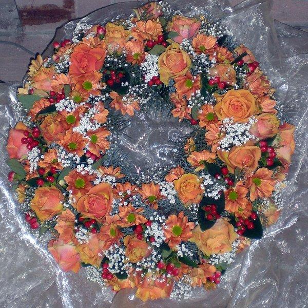 Trauerkranz apricot-weiß, Rosen, Chrysanthemen Bild 1