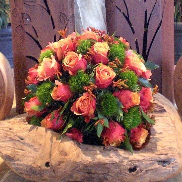 Kugel orange Rosen und green Ticks Bild 1