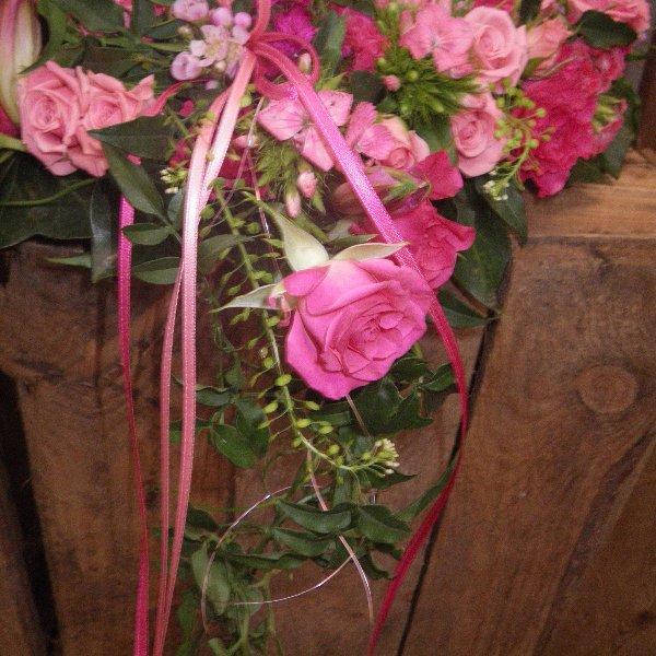 Urnenkranz in rosa Bild 2