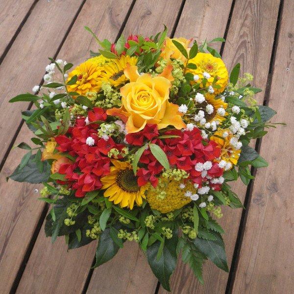 sommerlicher Blumenstrauß mit Sonnenblume Bild 1