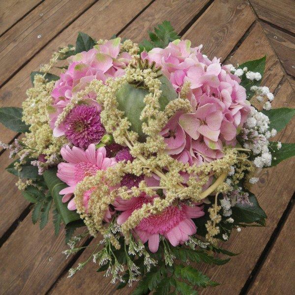 sommerlicher Blumenstrauß in rosa Bild 1